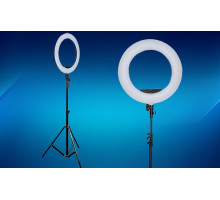 Annular led lamp with a tripod for professional shooting